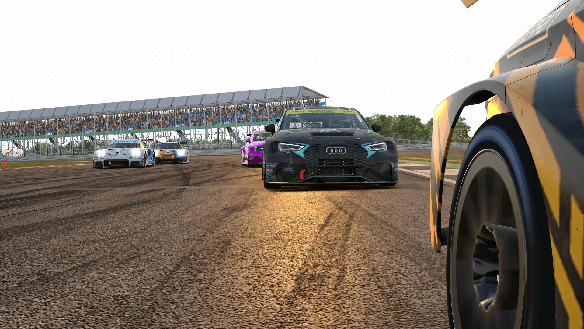 iRacing Endurance Championship TCR battle at Silverstone
