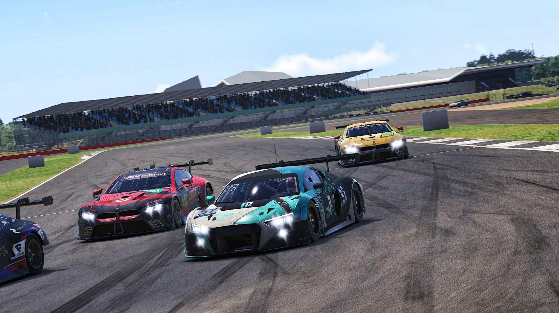SCO season Audi GT3 Silverstone traffic